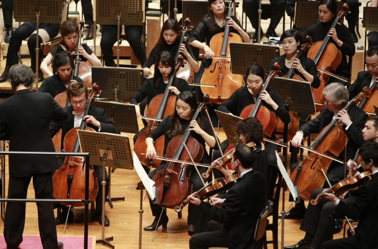 Teamwork tips from two great orchestras