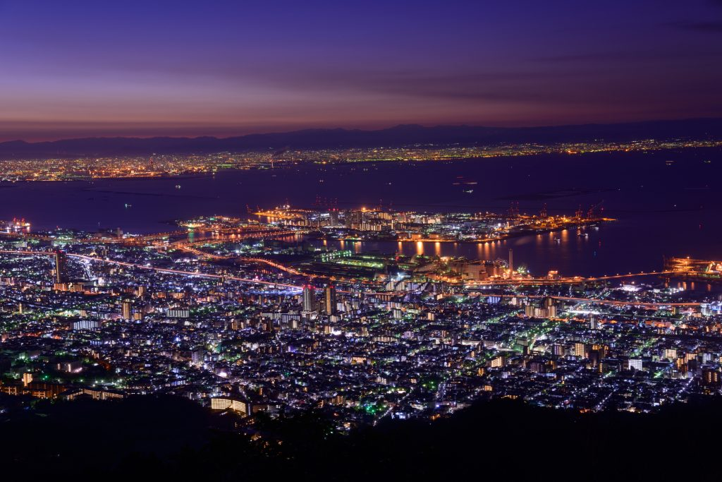 Kobe seen from Mount Rokko, the view that inspired the goal keeper version of the new uniform.