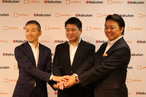 Photo: (L to R) Yoshihisa Yamada, Group Executive Vice President and CFO & CRO of Rakuten, Inc., Takashi Inoue, President and CEO of LIFULL Co., Ltd., and Munekatsu Ota, Representative Director of Rakuten LIFULL STAY