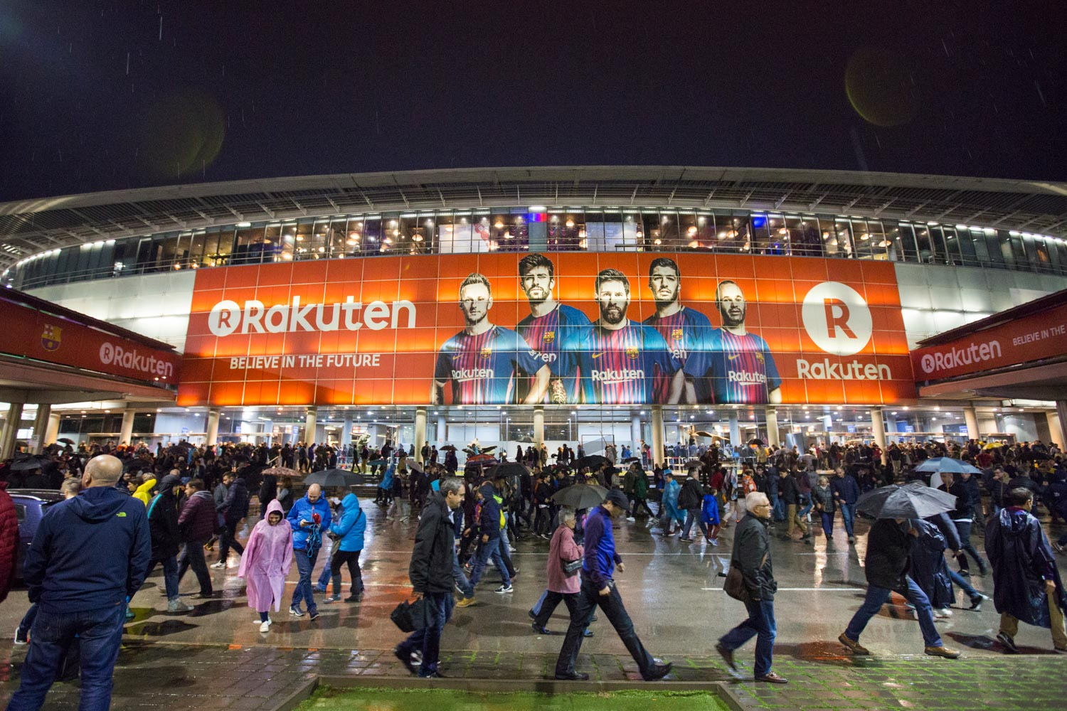 Rakuten connects with FC Barcelona fans at Camp Nou