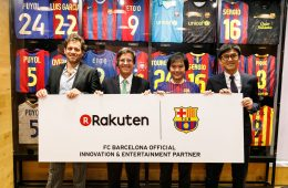 Upon entering the Rakuten CAFE exhibition, Barca diehards are greeted by a flood of nostalgia at the sight of legendary names like Kluivert, Stoichkov, Figo, Overmars...