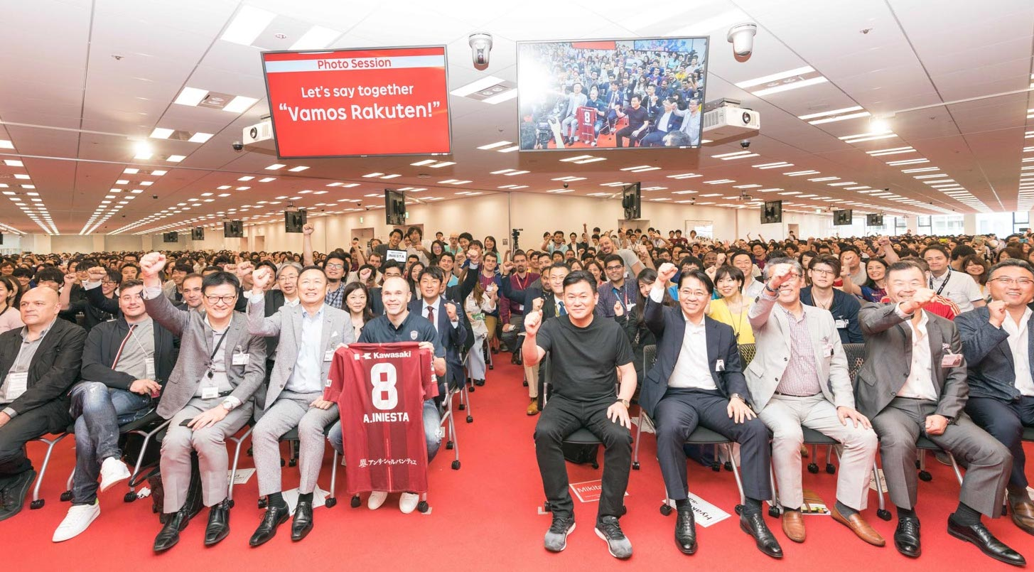 Iniesta in Tokyo: Rakuten HQ, baseball and a surprise visit with a manga icon