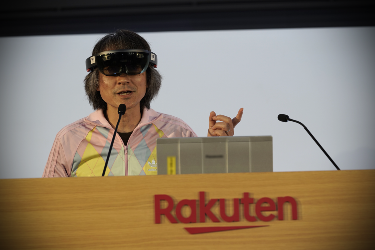 """We are supporting lectures at Japanese nursing universities,"" Taniguchi shares. ""The professors are able to use real clinical samples in their lectures, and discuss cases using our VR application."""