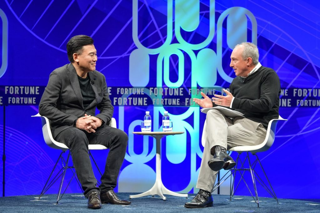 Rakuten CEO Mickey Mikitani (left) spoke with Dr. David B. Agus of the University of Southern California at FORTUNE Brainstorm Health conference in San Diego, touching upon about the innovative cancer research being developed by Rakuten Medical. (Biotech)