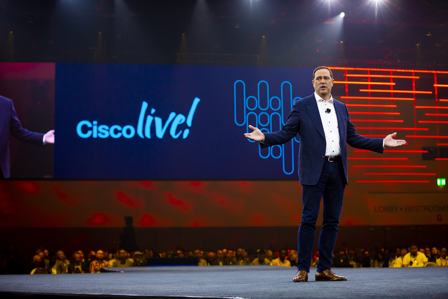 How the world changed: Cisco CEO on Rakuten's new mobile network