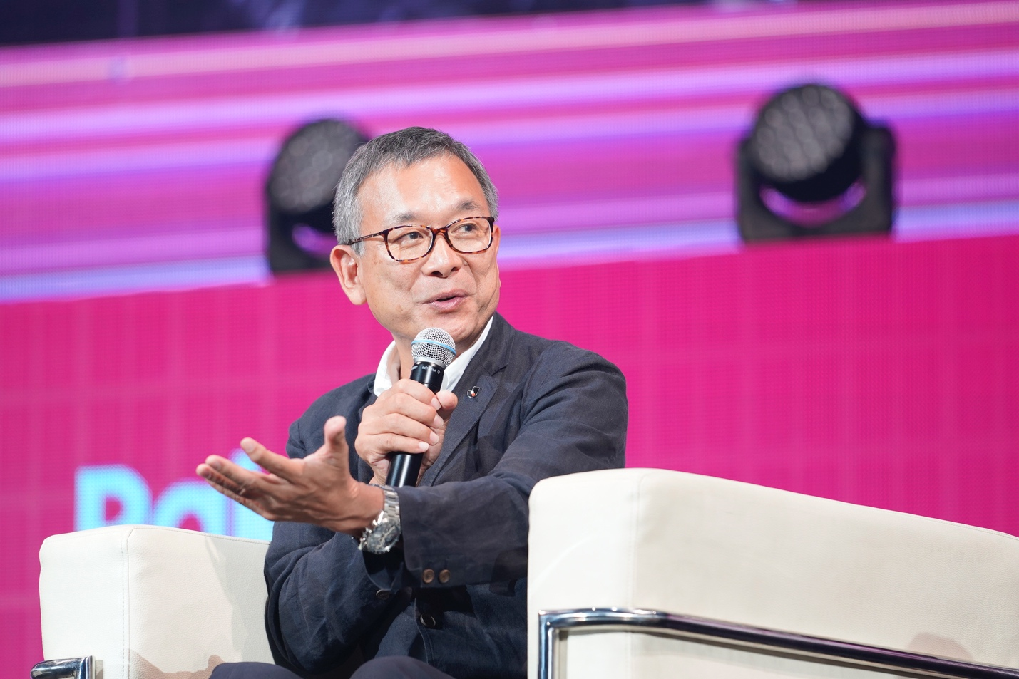 J.League chairman Murai on the future of soccer in Japan, the role of sports in promoting healthy lifestyles & his plans to globalize the league's audience.