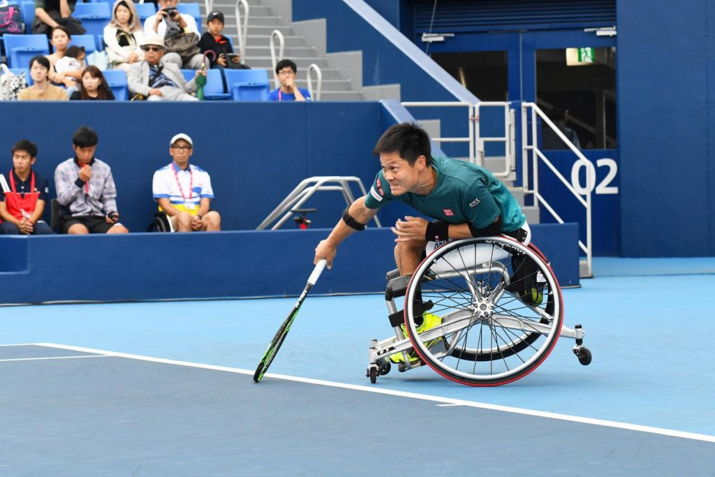 Local favorite Shingo Kunieda reinforced his status as the world's top-ranked wheelchair tennis player with a dominant performance in the Rakuten Card Arena.