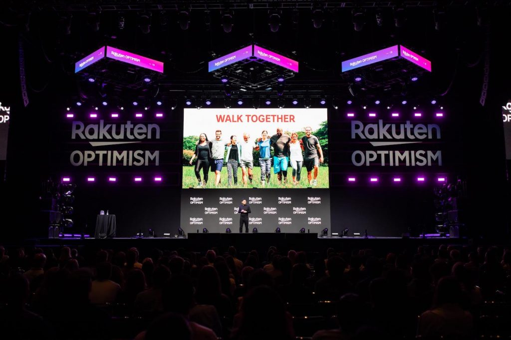 Rakuten CEO Mickey Mikitani explained how Rakuten is walking together with partners to build a brighter future for society.