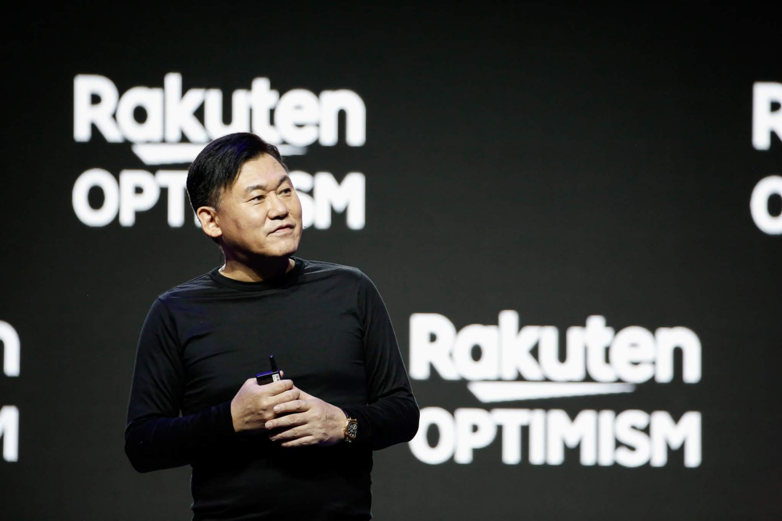 Rakuten is walking together with partners to realize mission-focused projects, from empowering small businesses to helping conquer cancer, explained Mickey Mikitani.
